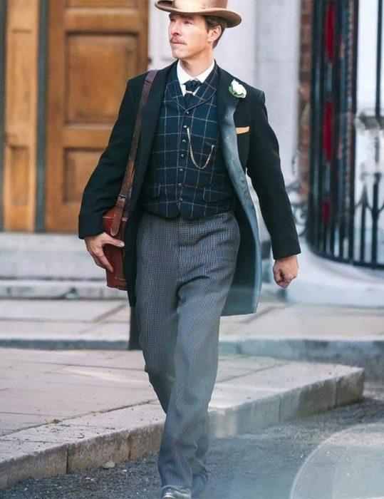The-Electrical-Life-Of-Louis-Wain-Benedict-Cumberbatch-Coat