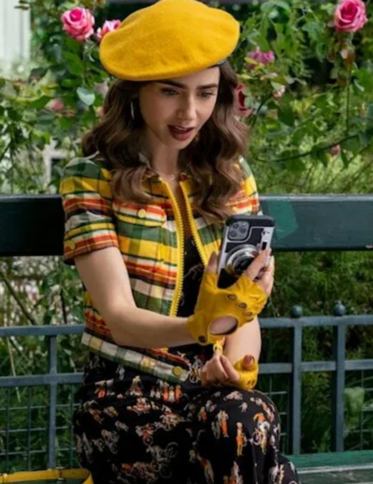 Emily In Paris S02 Lily Collins Yellow Jacket