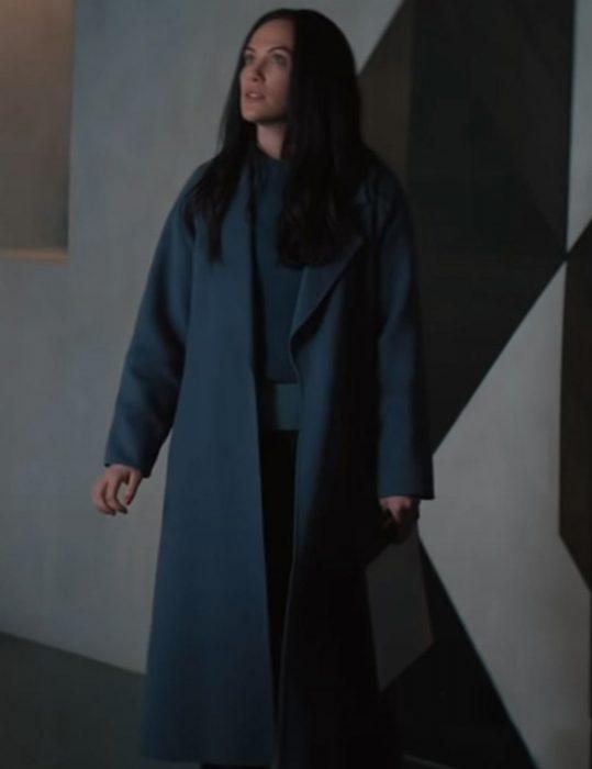 Jenn Film Hypnotic 2021 Kate Siegel Grey Trench Coat